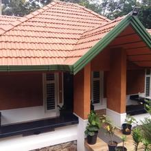Green House Homestay in Pulamanthole