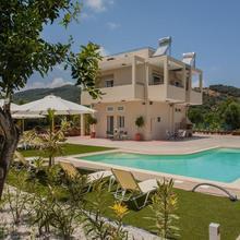 Green Orange Villa in Chania
