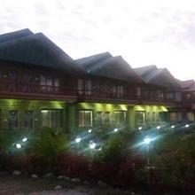 Green Tea Resort in Nagrakata