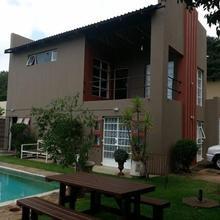 Greenside Residence in Johannesburg