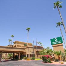 Greentree Inn & Suites Phoenix Sky Harbor in Chandler