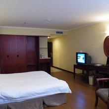 Greentree Inn Guiyang Penshuichi Business Hotel in Guiyang