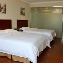 Greentree Inn Jiangsu Suzhou Xiangcheng Huoli Island Business Hotel in Weitang