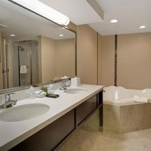 Greenwood Inn & Suites Winnipeg in Winnipeg