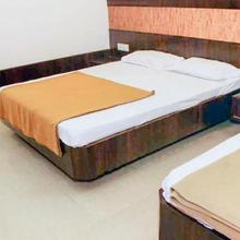 Guesthouse Room In Shirdi, By Guesthouser 8101 in Shirdi