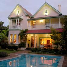 Hacklewood Hill Country House in Port Elizabeth
