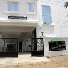 Haleema's Residency in Vadodara