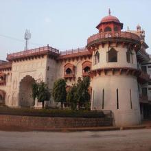 Hammeer Garhi Heritage Resort in Satai