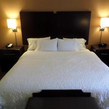 Hampton Inn And Suites Bakersfield / Highway 58 in Bakersfield