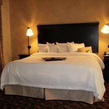 Hampton Inn & Suites Dallas Arlington N Entertainment Dist. in Florence Hill