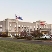 Hampton Inn & Suites Detroit Sterling Heights in Utica