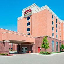Hampton Inn & Suites Detroit/airport Romulus in Detroit