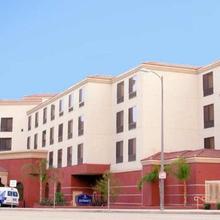 Hampton Inn & Suites Los Angeles Burbank Airport in Sherman Oaks