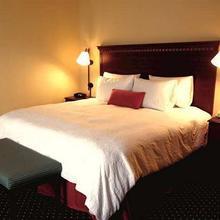 Hampton Inn & Suites Mystic in Westerly