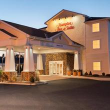 Hampton Inn & Suites Mystic in Westerly