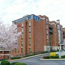 Hampton Inn & Suites Nashville-green Hills in Zanjan
