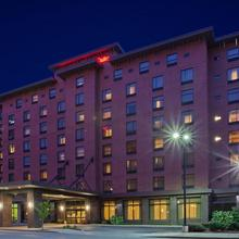 Hampton Inn & Suites Pittsburgh Downtown in Option