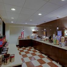 Hampton Inn Richmond West in Richmond