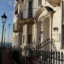 Hamptons Hotel in Brighton