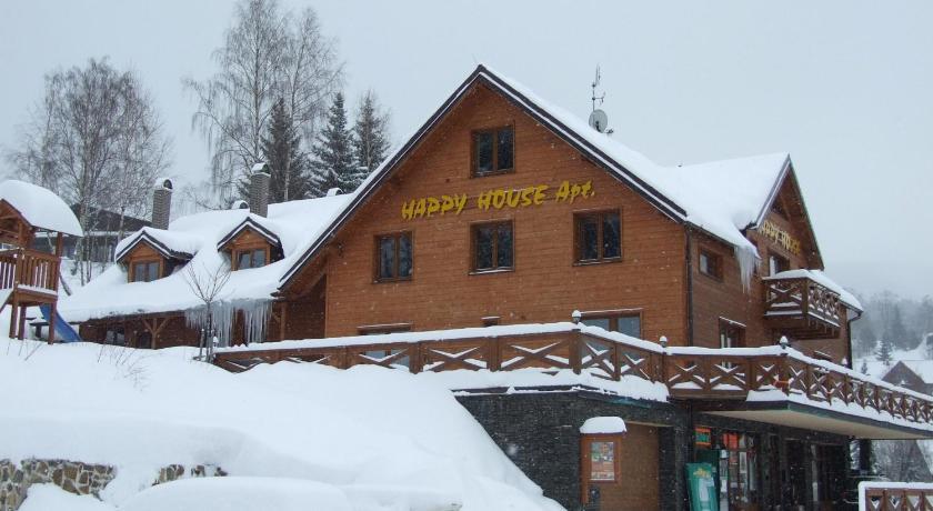 Happy House Apartments in Sobieszow
