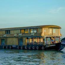 Harmony Houseboats in Punnappira