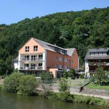 Haus am Fluss in Herold