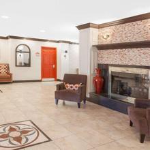 Hawthorn Suites By Wyndham Detroit Warren in Utica