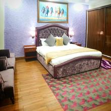 Hayyat Luxury Hotel Apartments in Lahore