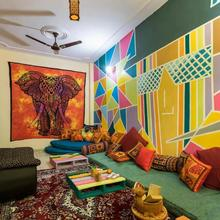 Hiatus' Doors (homestay) in New Delhi
