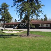 Hide Away Motel in Dryden