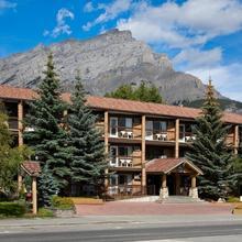 High Country Inn in Banff