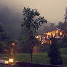 Hill Stream Resort in Dhanaulti