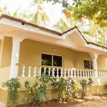 Hill Top Goa Lodge in Goa