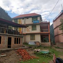 Hill Top Guest House in Kullu