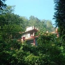 Hill Top Swiss Cottage in Rishikesh