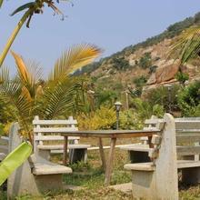 Hillstay Farmhouse in Chikkaballapur