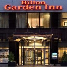 Hilton Garden Inn Toronto Downtown in Toronto