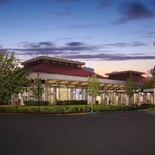 Hilton Oakland Airport in Hayward