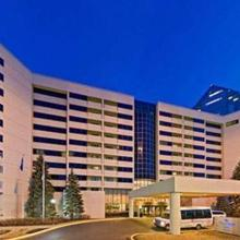 Hilton Suites Chicago/oakbrook Terrace in Chicago