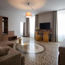 Hnn Luxury Suites in Genova