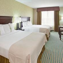 Holiday Inn Columbia East in Columbia