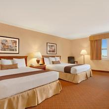 Holiday Inn Express & Suites Camarillo in Santa Paula
