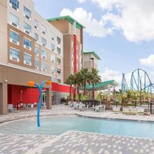 Holiday Inn Express & Suites - Orlando At Seaworld in Orlando