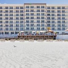 Holiday Inn Express & Suites Panama City Beach in Panama City Beach