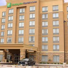 Holiday Inn Express and Suites Timmins in Timmins