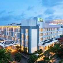 Holiday Inn Express Baruna in Kuta