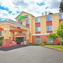 Holiday Inn Express Bothell - Canyon Park in Everett
