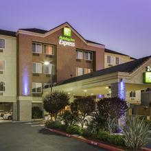 Holiday Inn Express Castro Valley in Hayward