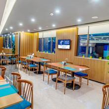 Holiday Inn Express Chengdu Airport Zone in Chengdu