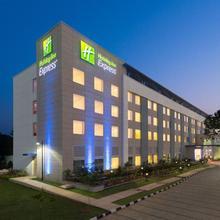 Holiday Inn Express Chennai Mahindra World City in Palur